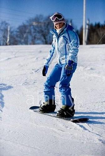 Young female snowboarder par nigel67