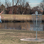 Steve Hardyman drains a big S putt for the bird at Spring Fling 2005 at Expo Park.