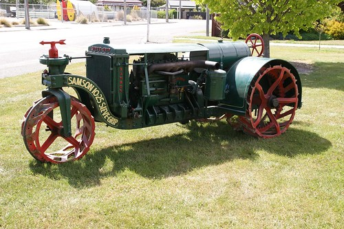 rural antique farm country farming tractors trattore