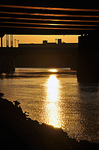 canada fall yellow sunrise reflections golden winnipeg glare bridges september manitoba f16 redriver theforks assiniboineriver stboniface 105mm 18105mm 821am 01612