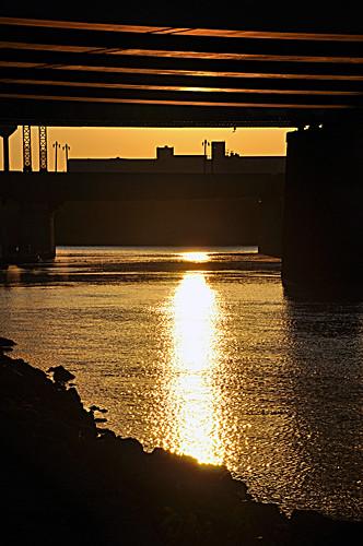 canada fall yellow sunrise reflections golden winnipeg glare bridges september manitoba f16 redriver theforks assiniboineriver stboniface 105mm 18105mm 821am 01612