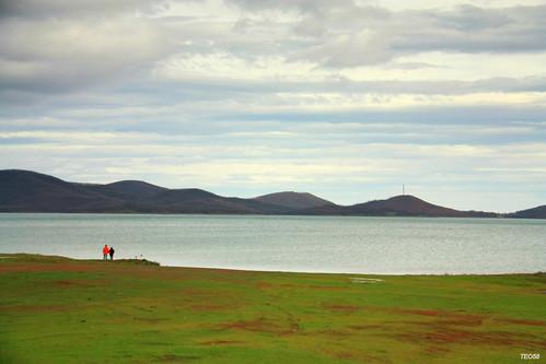 lake water clouds couple redspot plastira karditsa
