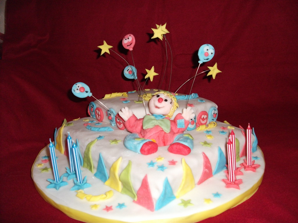 Outstanding Clown Birthday Cake Mom Loved Dragonfly Doces S Circus C Flickr Funny Birthday Cards Online Inifodamsfinfo