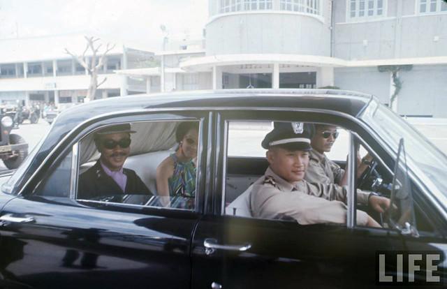 PM Nguyen Cao Ky in Da Nang 1967 (1)
