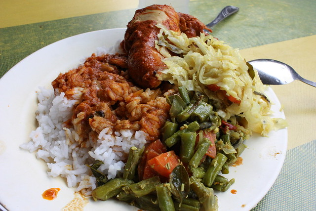 line clear nasi kandar plate by CC user scaredykat on Flickr