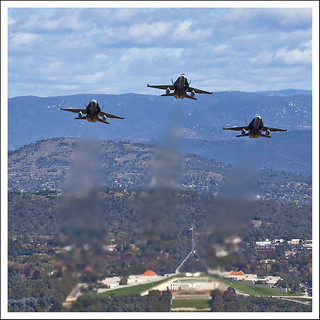3419 Anzac Day Fly Past 25 Apr 10