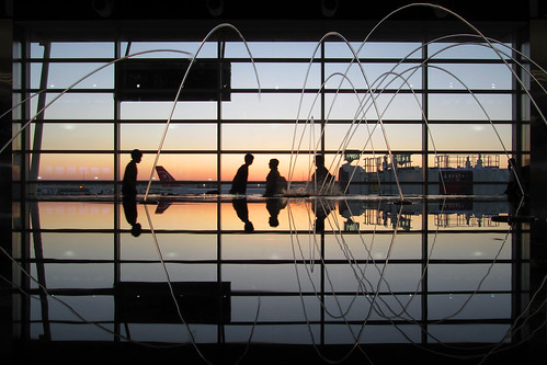 travel sunset wallpaper sky people window fountain pool canon reflections airport dusk air jets airplanes detroit silhouettes powershot commute travelers dtw detroitmetro sx200 sx200is