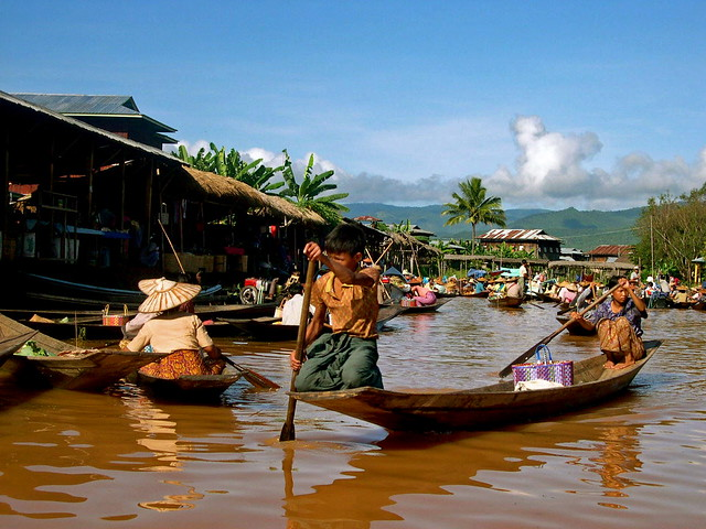 Inle Lake Market, Mynmar by CC user kl75214 on Flickr