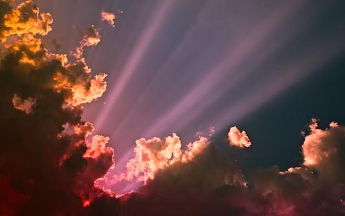[フリー画像素材] 自然風景, 空, 雲, 朝焼け・夕焼け, 薄明光線 ID:201211232000