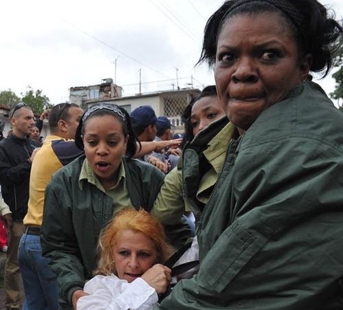 Damas de Blanco protestan en el Cobre..