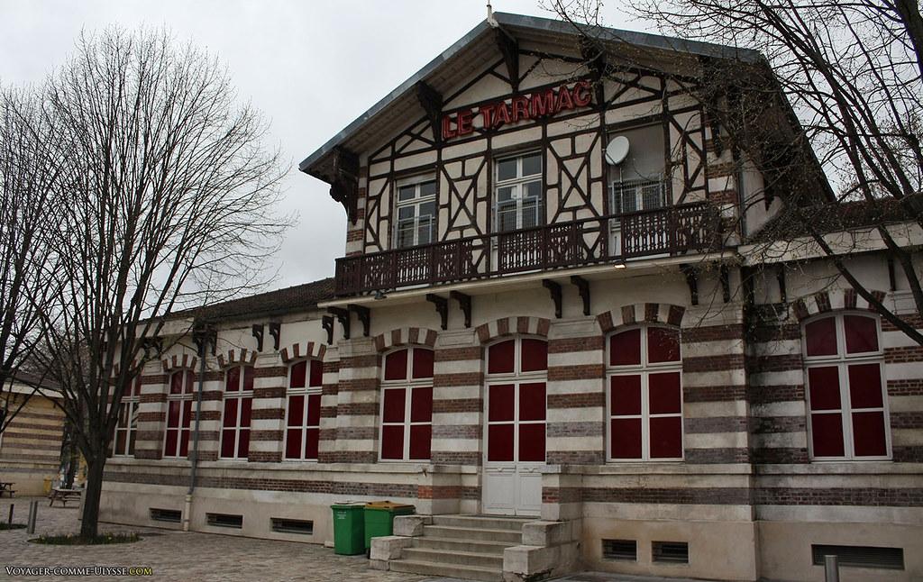 Le Tarmac, au Parc de la Villette.