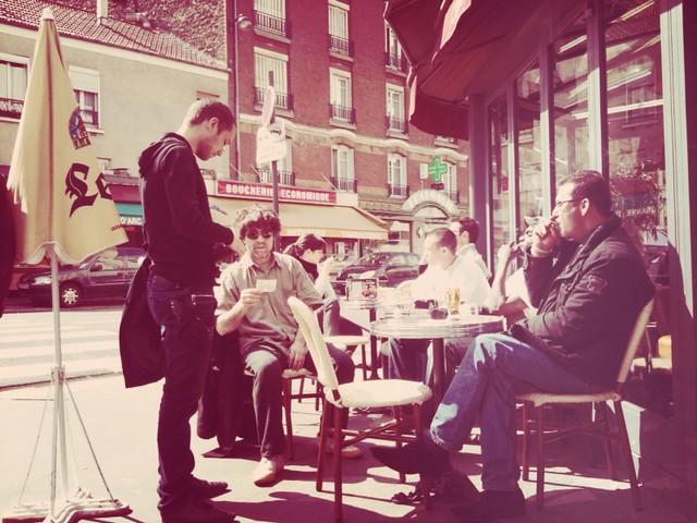 Café en terrasse avant de partir