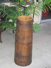 barrel(0.0), hand drum(0.0), flowerpot(1.0), wood(1.0), lighting(1.0),