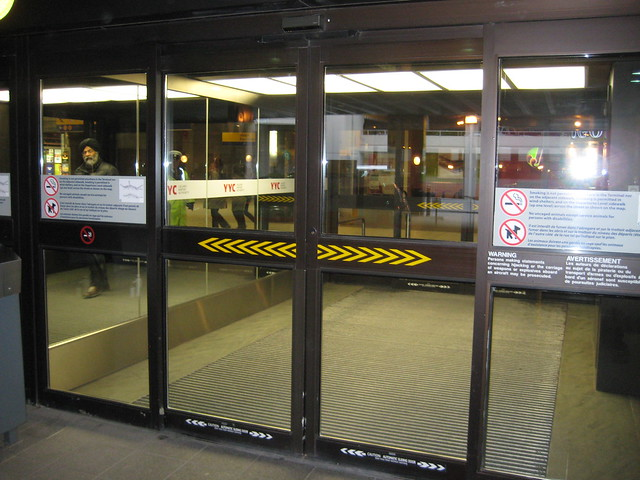 Automatic sliding doors help ensure, in summer and winter alike, that  500 x 375