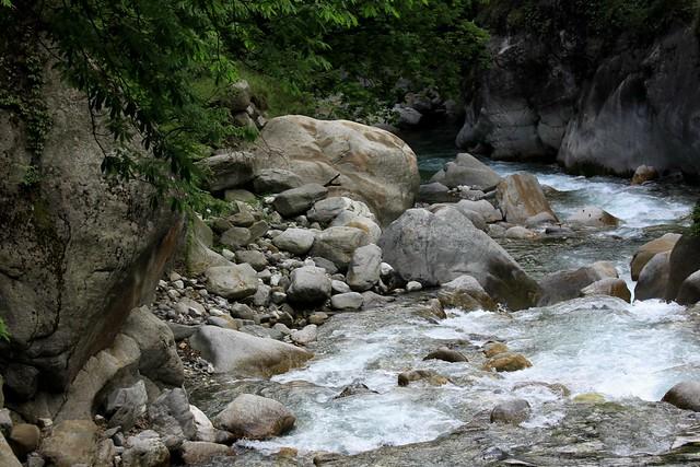 tirthan valley gushaini himachal pradesh