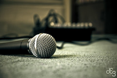 microphone(1.0), electronic device(1.0), monochrome photography(1.0), gadget(1.0), close-up(1.0), audio equipment(1.0), monochrome(1.0), black-and-white(1.0), black(1.0),