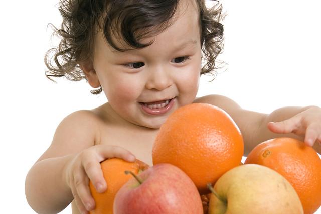 Sanutri aconseja el consumo de fruta para completar la dieta de tu pequeño