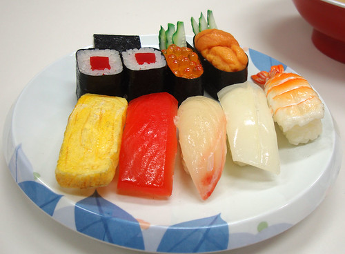 Food model: Sushi (about 500 calories)