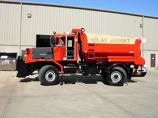 Oshkosh 4-Wheel Steer Dump Truck