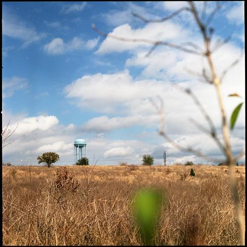 sky field geotagged watertower orangegrove fujifilmpro400h geo:tool=yuancc geo:lat=28150277 geo:lon=81803236