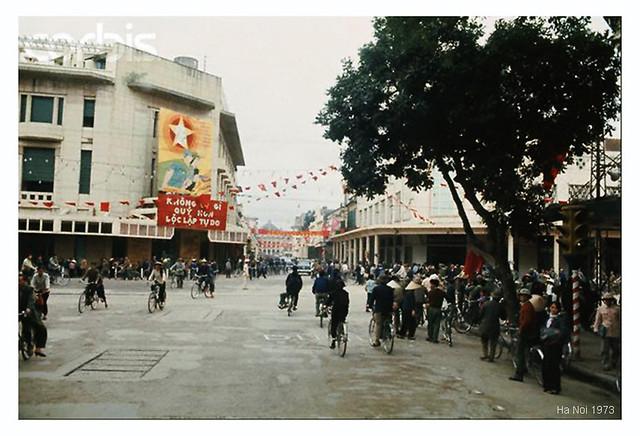 Góc phố Tràng Tiền - Đinh Tiên Hoàng, Hà Nội 1973