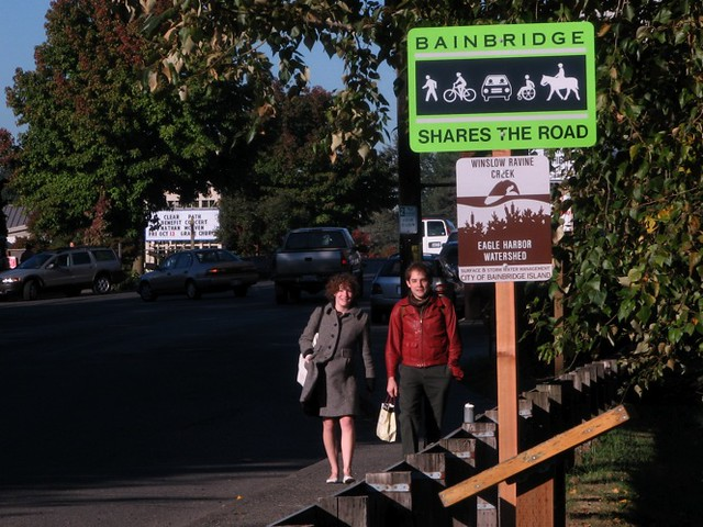 Bainbridge Shares the Road sign