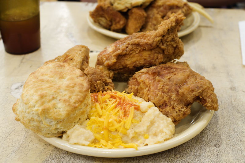 Fried chicken w/ biscuit and grits