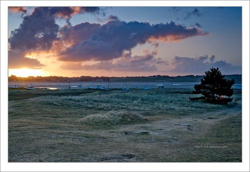sea france sunrise landscape 50mm walk sony f normandie alpha dslr paysage normandy goldenhour bassenormandie a900 agoncoutainville pointedagon alpha900 dslra900 maciejbmarkiewicz gettyimagesbeneluxq1