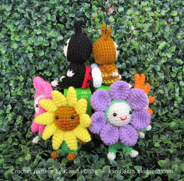 Original Crochet Amigurumi Flowers : Flower bee and ladybug amigurumi crochet pattern Crochet ...