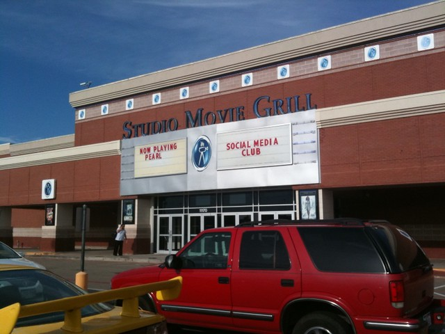 Studio Movie Grill - Lewisville reviews and user ratings.