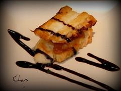Tosta de polbo con cebola doce e mollo picante