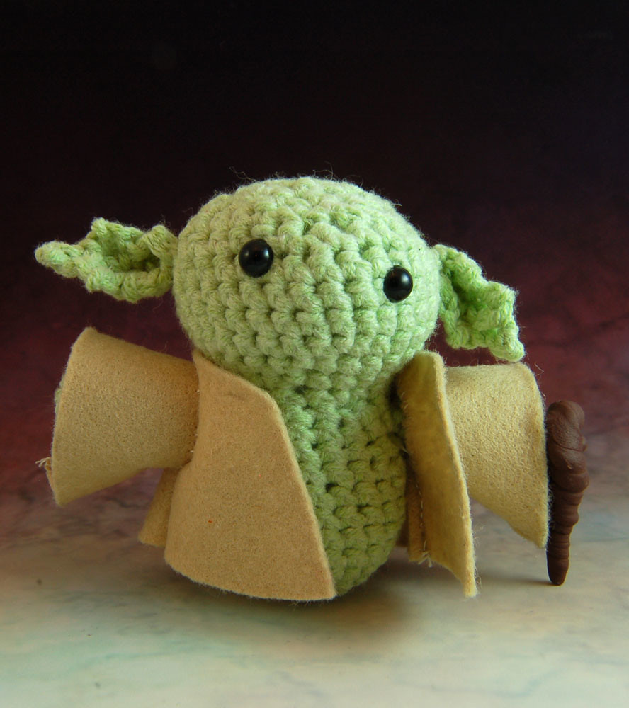 CRAFTS] THIS AMIGURUMI BABY YODA IS SO CUTE YOU'LL SPIT OUT YOUR ... | 1000x888