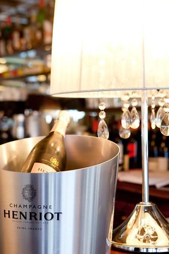 La table des oliviers restaurant 4 rue de l 39 glise neuilly le de france france - Table des oliviers neuilly ...