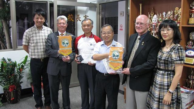 2010年5月份-金色山莊安排Hauraki市長拜會雲林縣義峰高中
