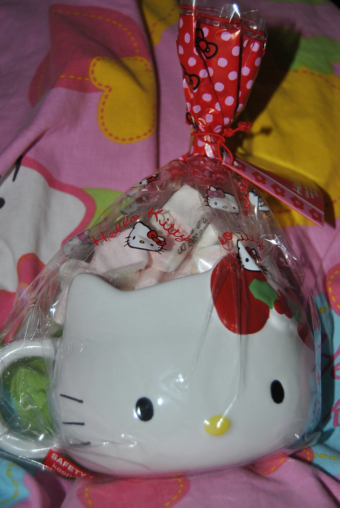 Hello Kitty Mug and Marshmellows!