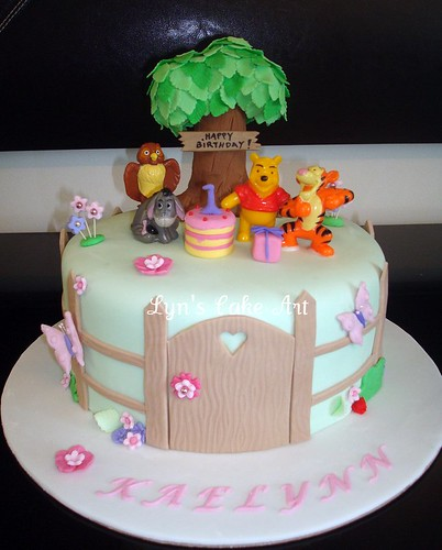 Lyn s Cake Art: Pooh & Friends