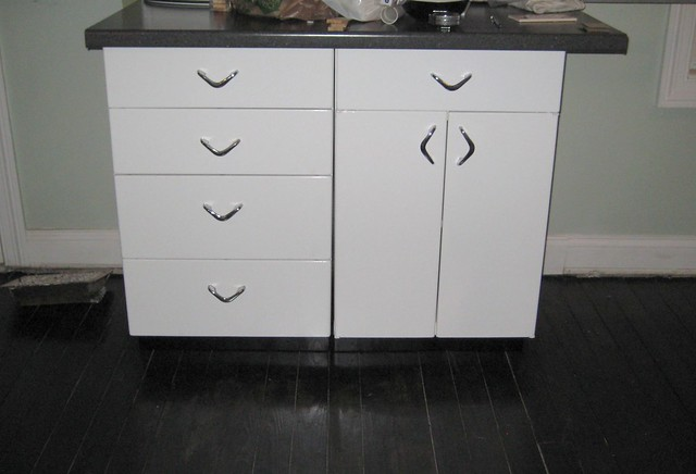 New metal youngstown cabinets flickr photo sharing for Kitchen cabinets youngstown ohio
