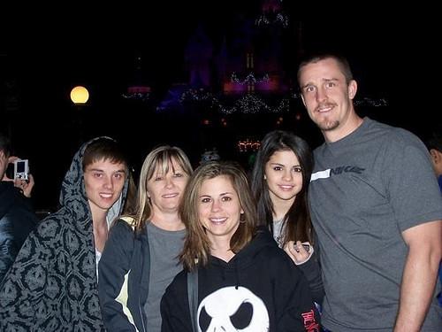 Family Gomez.