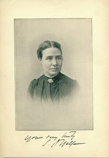 Sarah J Yelf