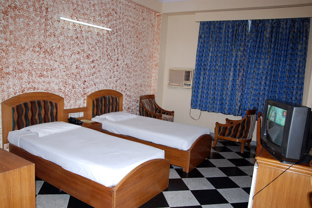 Deluxe With Twin Bed-2