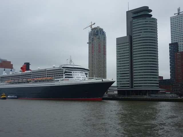Cunard Queen Mary 2 in Rotterdam