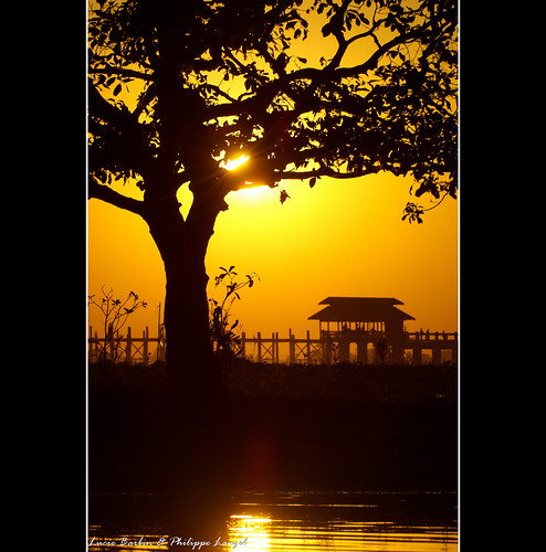 voyage old trip travel bridge sunset sun tree tourism vacances soleil amazing asia burma coucher sunsets visit myanmar philippe teck coucherdesoleil amarapura birmanie langel yourwonderland