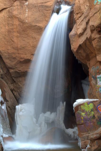 Graffiti falls