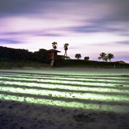 ocean park light usa color tree 6x6 tlr film beach water strange night analog dark square lens pier us reflex sand focus long exposure fuji mechanical florida stripes south united release tripod patrick twin cable palm mat negative v 124g pro epson medium format fl states manual 500 jupiter 80 joust yashica juno 220 estados 80mm f35 fujicolor c41 unidos yashinon v500 2minute 160s autaut soflo patrickjoust