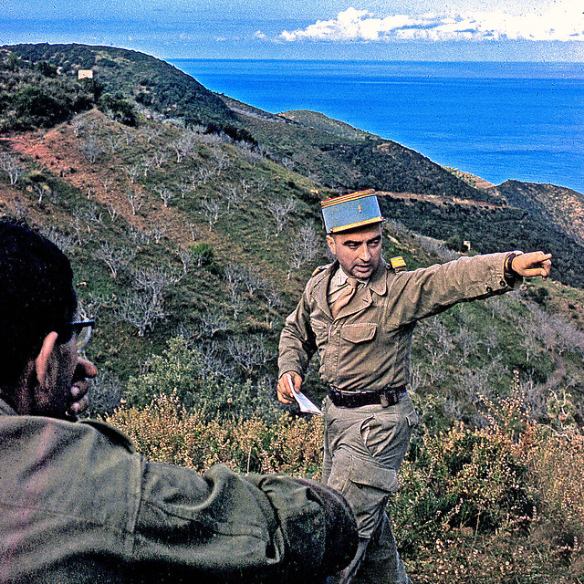 Vintage Kodachrome. Algérie 1962. Capitaine en manœuvres sur le Chenoua.