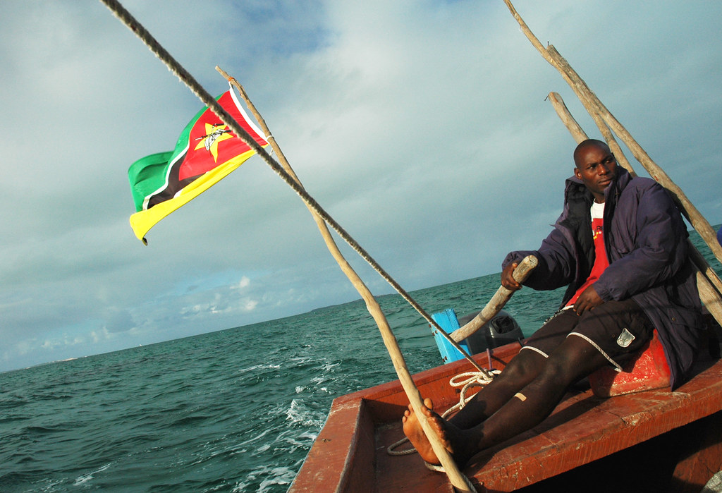 In Peace in Indian Ocean, stroll the only flag with a firearm.