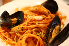 vegetable(0.0), fish(0.0), linguine(0.0), produce(0.0), spaghetti alle vongole(1.0), bucatini(1.0), spaghetti(1.0), seafood(1.0), pasta(1.0), clam sauce(1.0), bouillabaisse(1.0), food(1.0), dish(1.0), cuisine(1.0), mussel(1.0),