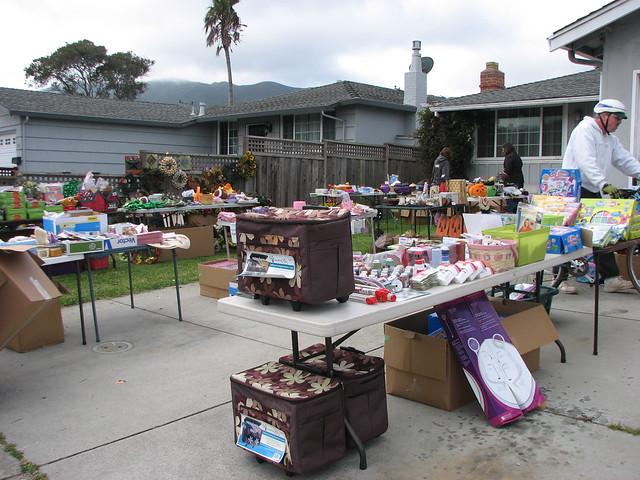 4H garage sale 2010 from Flickr via Wylio