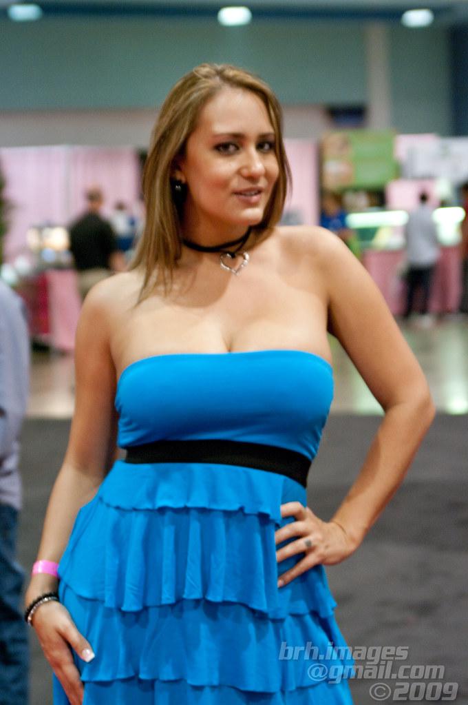 Trina Michaels Exxxotica Miami 2010