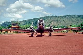 149bg - SERVIVENSA DC-3; YV-147C@CAJ;03.10.2001